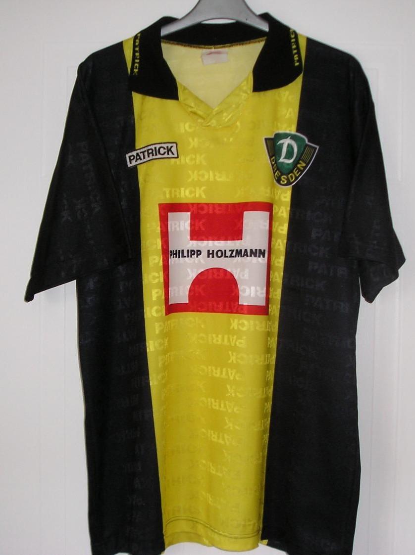 Chùm ảnh: Dynamo Dresden jersey (32)