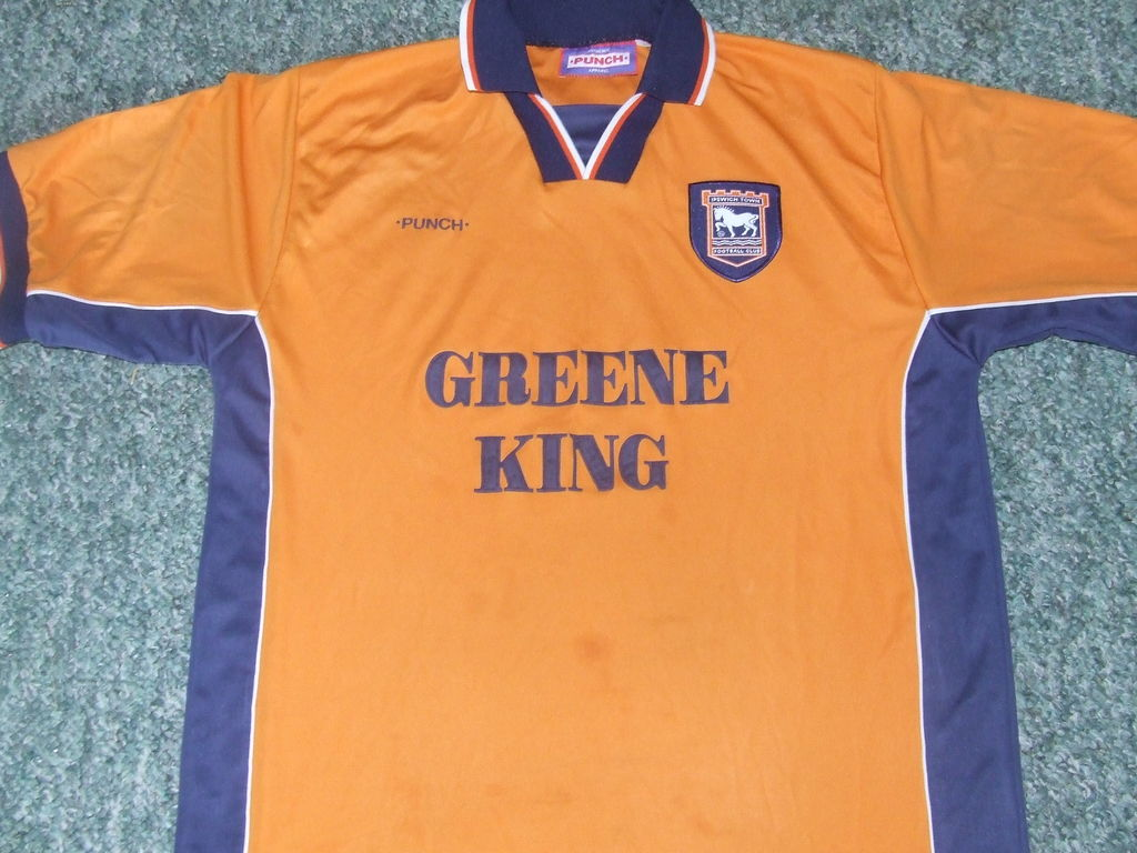 Chùm ảnh: Ipswich jersey (1)