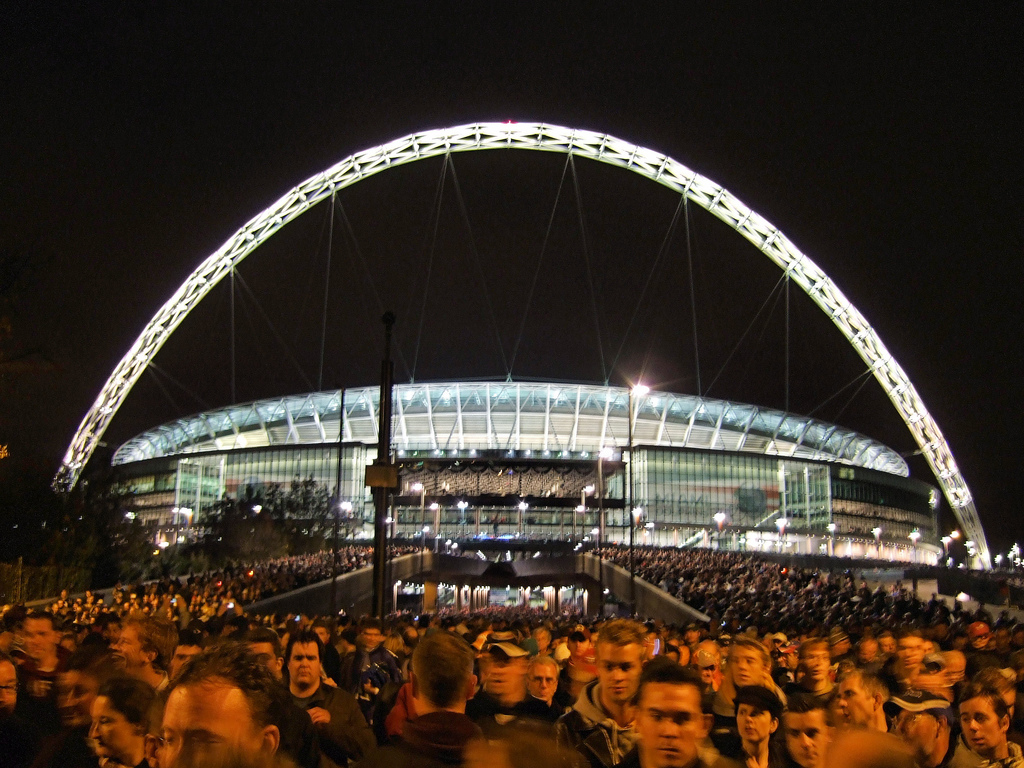 Wembley wallpaper (2)